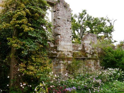 Scotney's Ruinen-Teil der alten Wasserburg