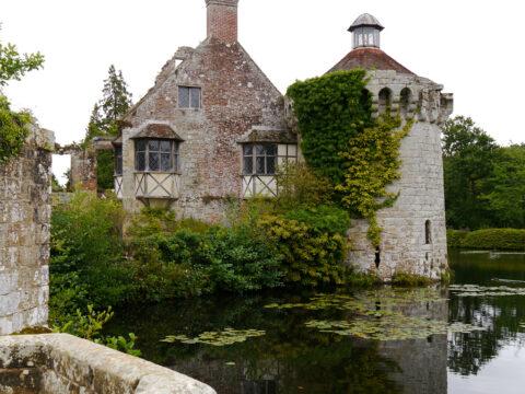 Scotney, die alte Burg mit dem Wassergraben
