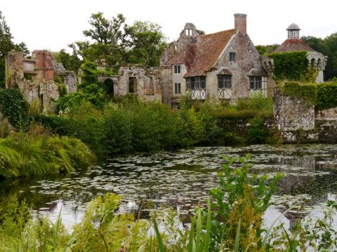 Die alte Wasserburg von Scotney Castle
