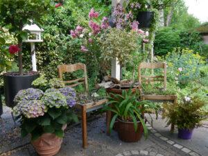 Die linke Terrassen-Ecke von Wurzerls Garten