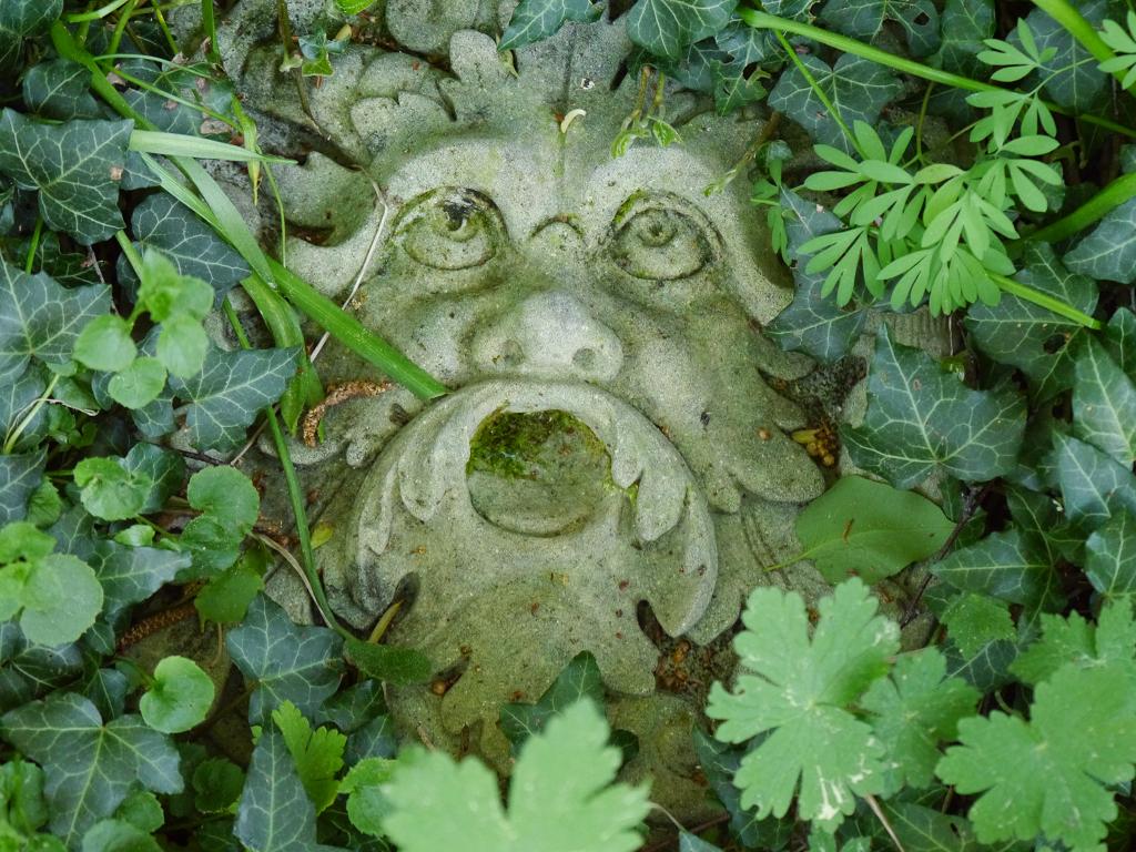 der gute Gartengeist in Wurzerls Garten