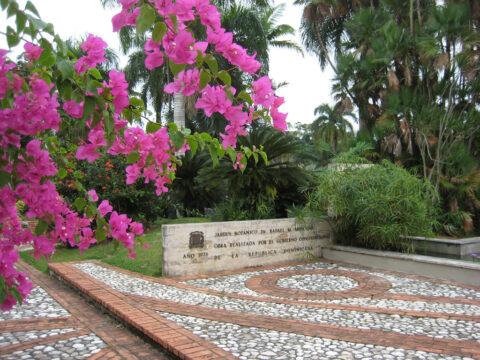 Eingangsbereich des Botanischen Gartens Santo Domingo