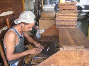 Der Zigarren-Dreher in Santo Domingo