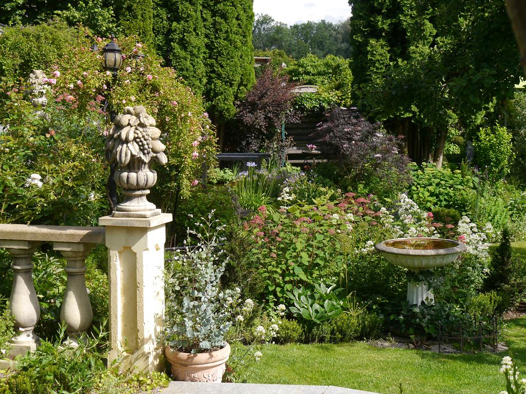 Vordere Sichtachse von der oberen Terrasse, Garten Petra Steiner