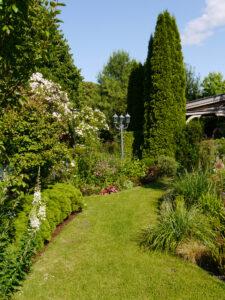 Linke Seite des Inselgartens, Garten Petra Steiner