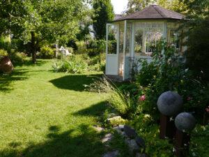 Pavillon im Garten Schroth
