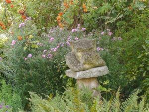 """Der """"Gargoyle"""" ist ein guter Gartenwächter, Garten Schroth"""