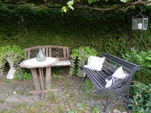 In der Weinlaube, Garten Schroth