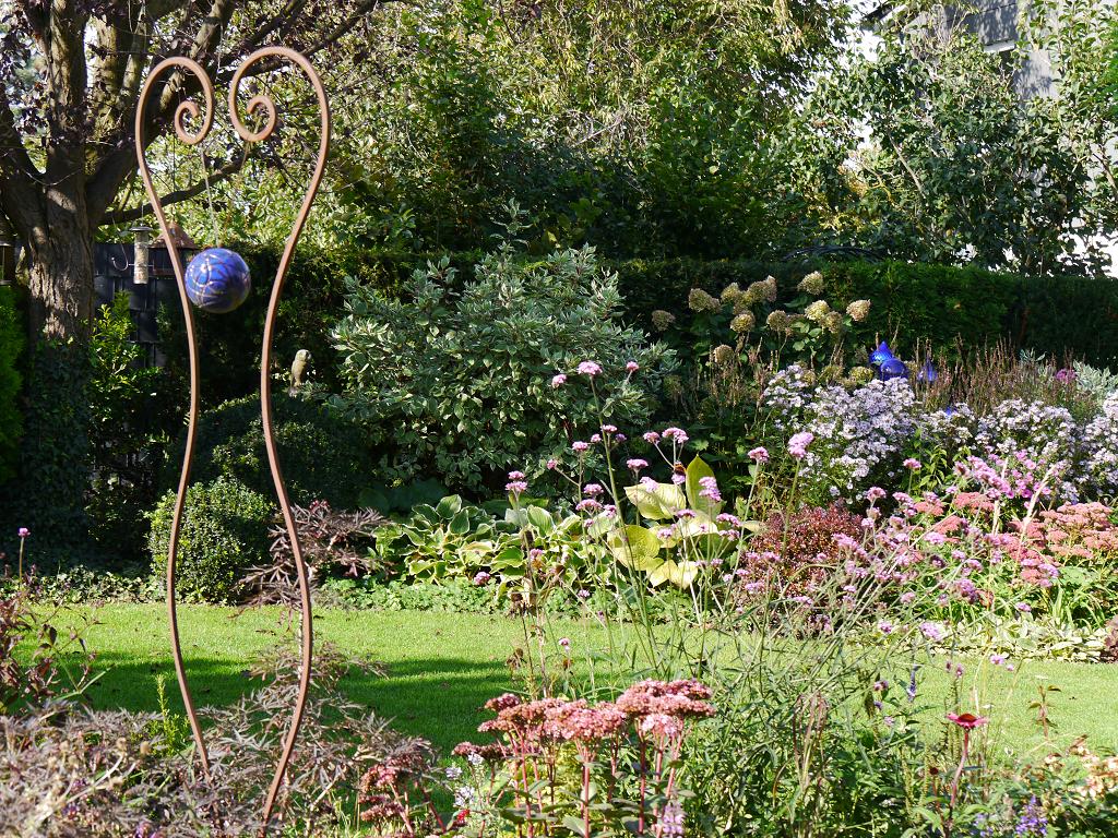Blick zur mittleren rechten Gartenseite, Eulengarten, Martina Krause, Braunschweig