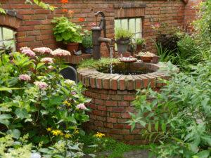 Mauer-Brunnen des Moorjuwel von Hedwig Weerts