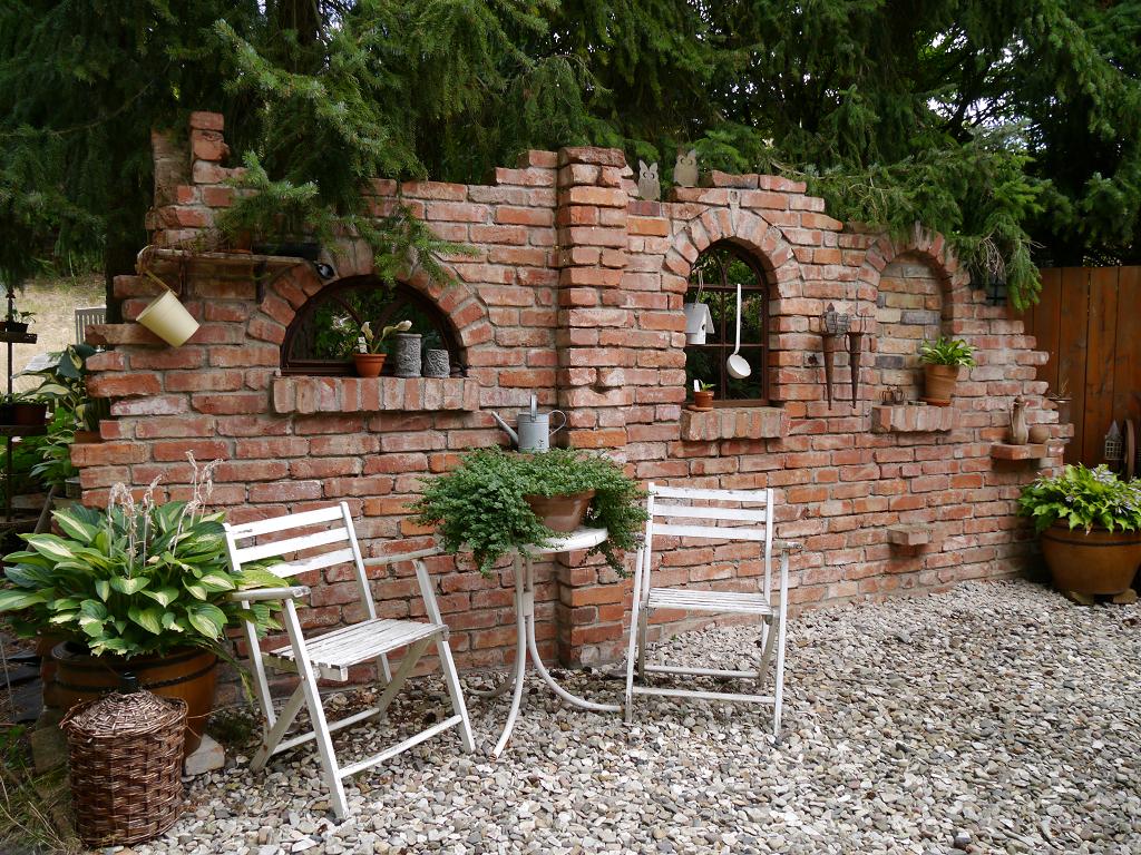 Ruinenmauer, Sammlergarten Martina Henne