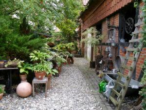 An der Scheune, Sammlergarten Martina Henne