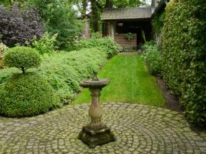 Sonnenuhr, Garten Dina Deferme, Belgien