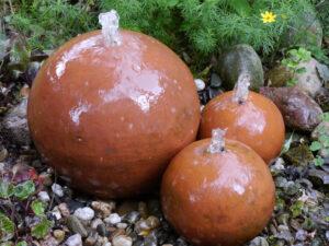 Wasserspiel, Spetzer-Tuun, Waldgarten Amanda Peters