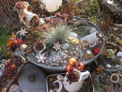 Wurzerlküche im weihnachtlichen Garten