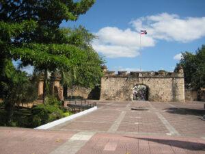 Puerta del Conde, Santo Domingo