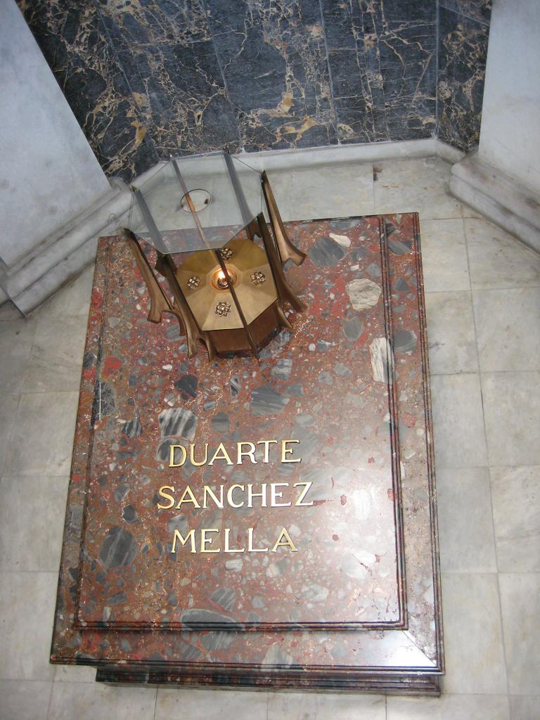 Altar de la Patria, Santo Domingo