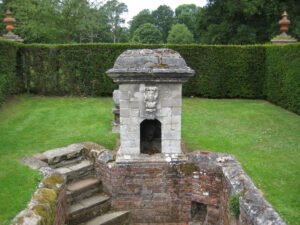Plunge Pool, Fountain Garden, Packwood House