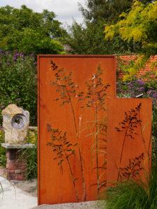 Raumteiler in Rostoptik, Garten Erna de Wolff