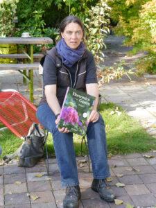 Martina Meidinger stellt Ihr Buch Hortensiengärten in der Staudengärtnerei Extragrün vor