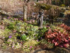Das Frühlingsbeet Anfang März in Wurzerlsgarten