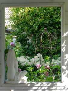 Gartenhäuschen, Blick aus dem Fenster, Garten Halwax