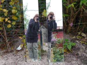 Kein Garten, der irgendwo einen oder mehrere Spiegel hat, ist vor mir sicher!