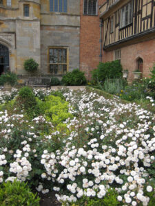 Der Courtyard, Hofgarten, von Coughton Court