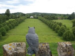 Blick von den Zinnen des Turmes in die Landschaft von Coughton Court