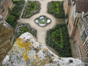 Blick von oben auf den Innenhof, Courtyard, von Coughton Court