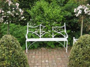 Ladies Garden, im weißen Teil, Coughton Court